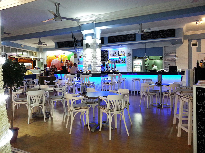Newly renovated Bar-Cafeteria in Ca'n Picafort – near Alcudia in Majorca – to transfer