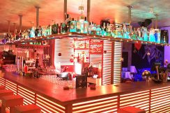 Cocktailbar Santa Ponsa Mallorca rent transfer invest