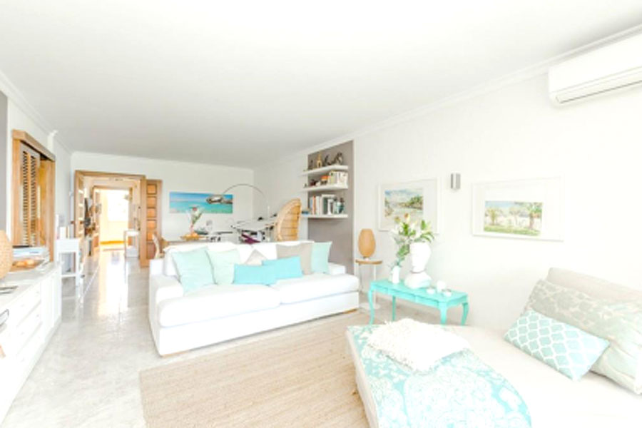 Apartement in Cala Vinyas, south west of Mallorca, stunning sea view, first line, own access to beach