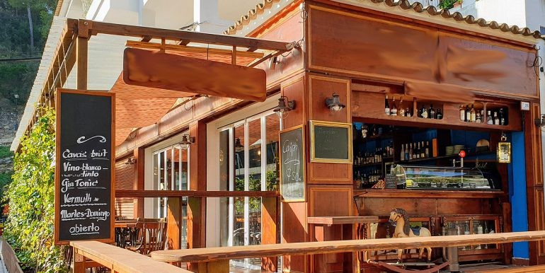 Bar Cafeteria Paguera Mallorca lease freehold rent traspaso