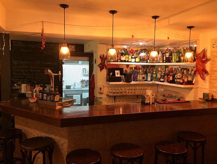 Small fine bar cafeteria in the La Lonja district of Palma de Mallorca to pass